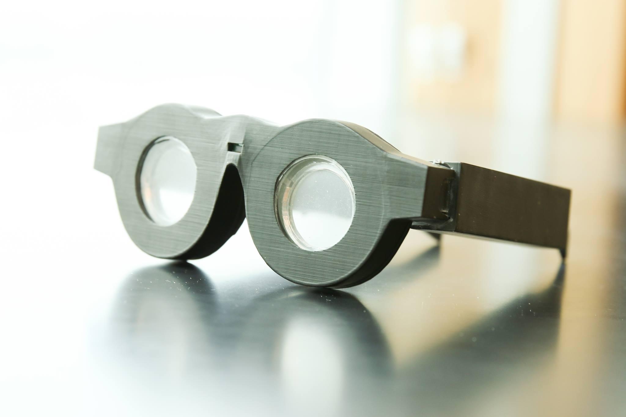 62ea66718 Univerzálne okuliare pre ostrosť zraku i farboslepých