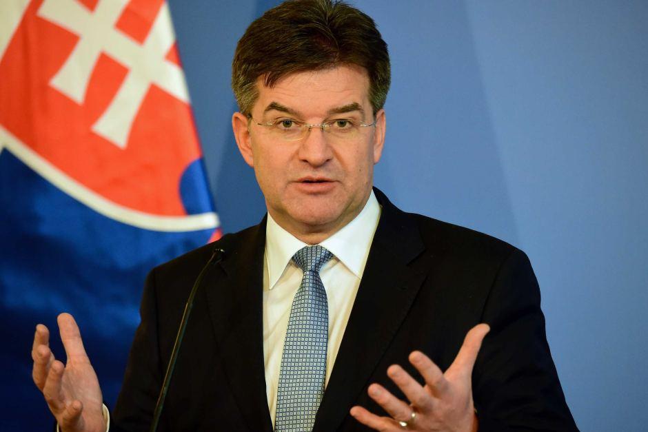 Paška: Lajčák svojvoľne a bezdôvodne ponúka cudziemu štátu rozmiestnenie jeho armády na území SR