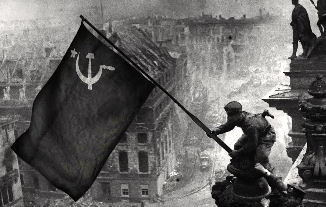 Svet si pripomína Deň víťazstva nad fašizmom. V rokoch 1939 - 1945 zahynulo  viac ako 50 miliónov ľudí